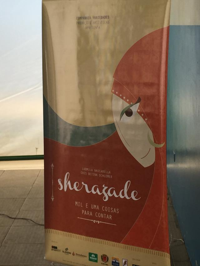 Apresentação do teatro Sherazade pelo grupo Comp