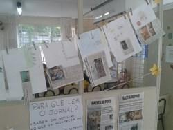 Alunos da UEI Padre João Cruciani trabalham com o jornal.