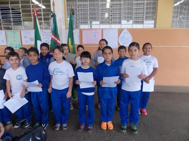 Apresentação dos estudantes com a Bianca Mesquita