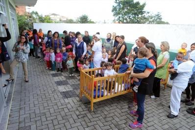Crianças são treinadas para situações de emergência em escolas e CMEIs