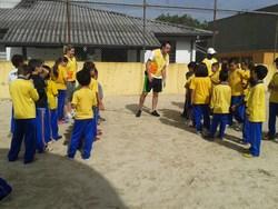 Atividades com profissionais de educação física visando bem estar dos estudantes.