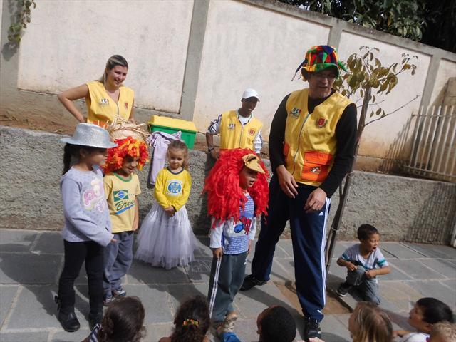 Dia 15 de abril a Linha do Lazer esteve no CMEI fazendo a garotada se divertir a valer!!!