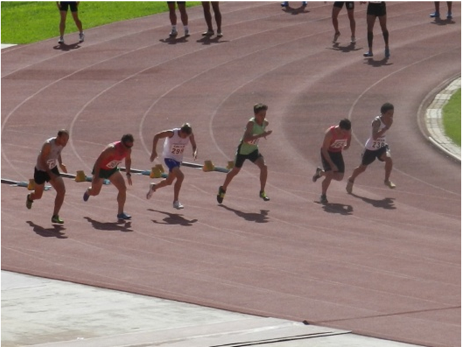 Atletas participando da corrida do Torneio.