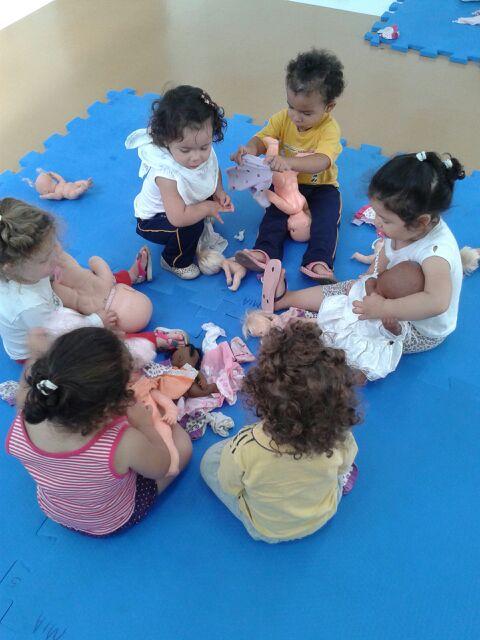 Banhando as bonecas