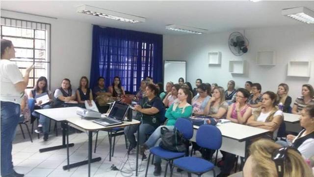 1º encontro  do curso: Refletindo sobre o ensino de Língua Portuguesa e Matemática no 1.º,2.º e 3.º ano