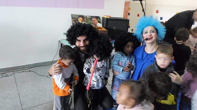 No dia 12/05/2015 foi realizada a apresentação do grupo MPB para crianças no CMEI FANI LERNER (Parte do Projeto Música).
