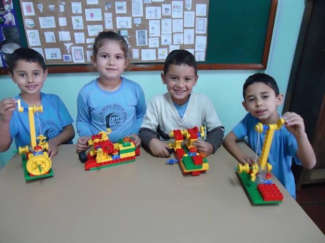 Atividade com Lego- Eixo: Ciências e Tecnologia da
