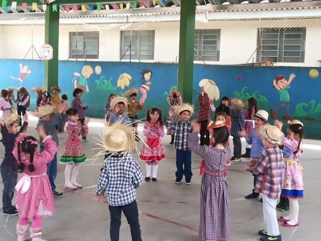 Continuação das  festas juninas NRE-PR