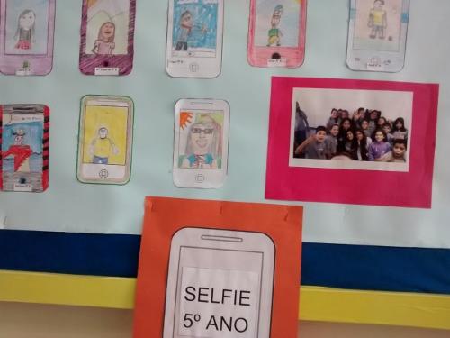 Self na sala de aula