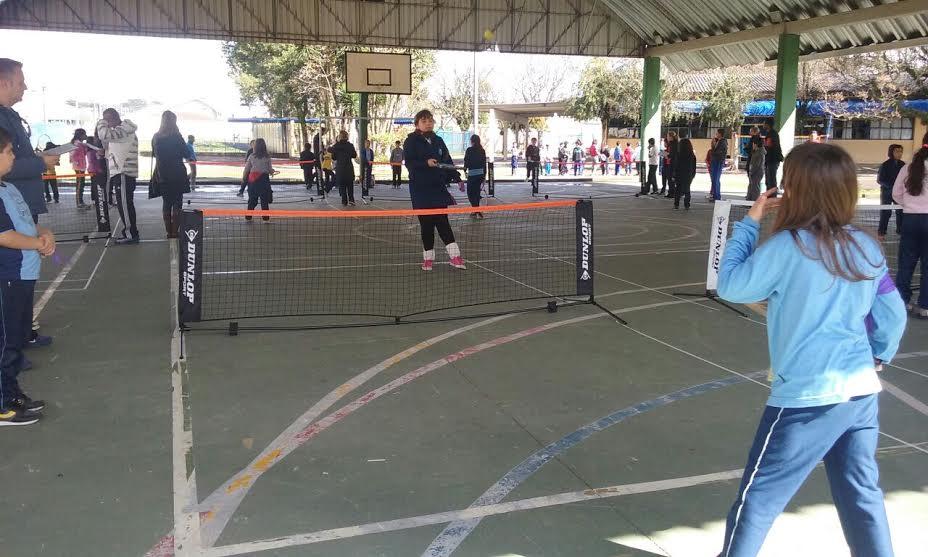 Alunos no campeonato de tênis.