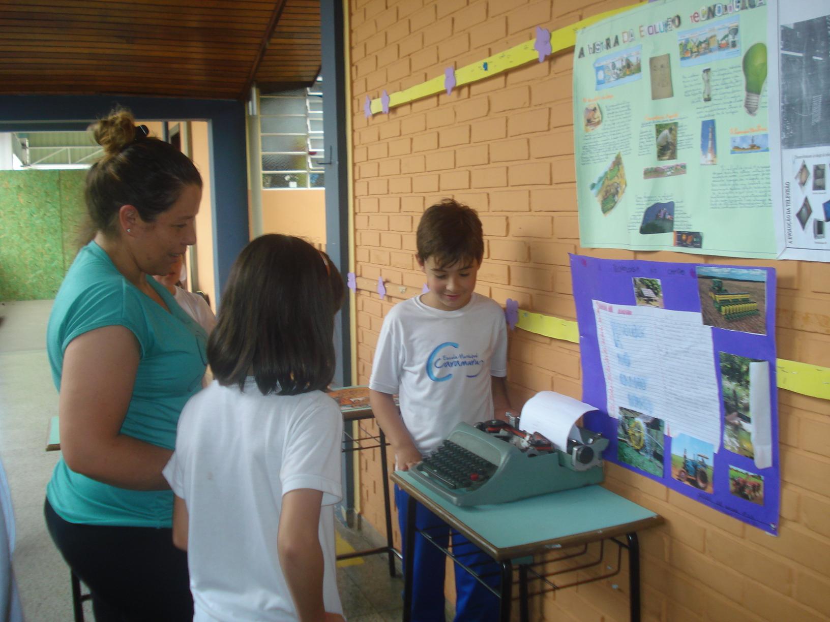 Exposição sobre instrumnentos tecnológicos