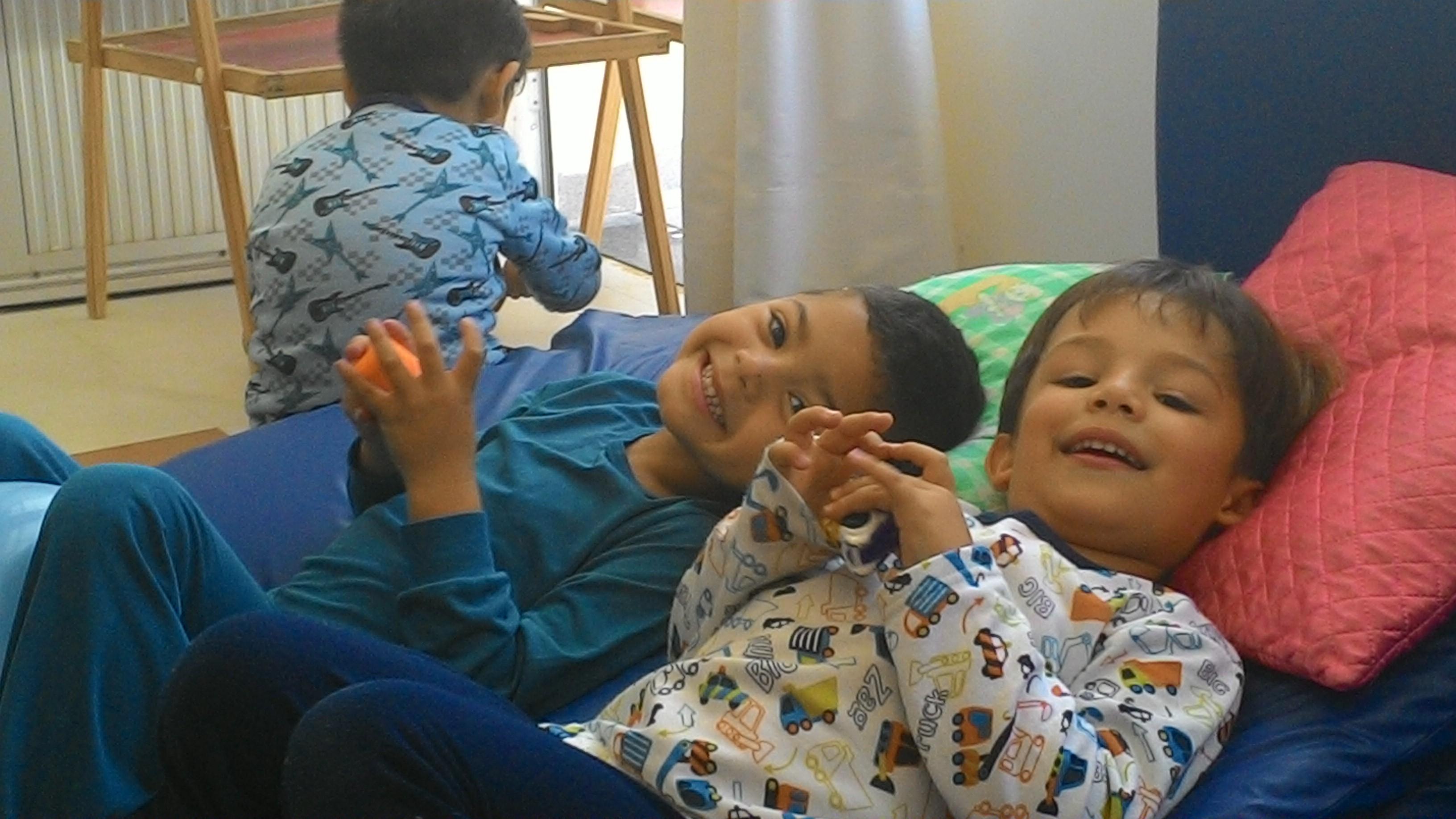 Meninos de pijama