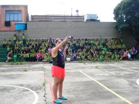 Estudantes participam de gincana de confraternização no início do ano letivo