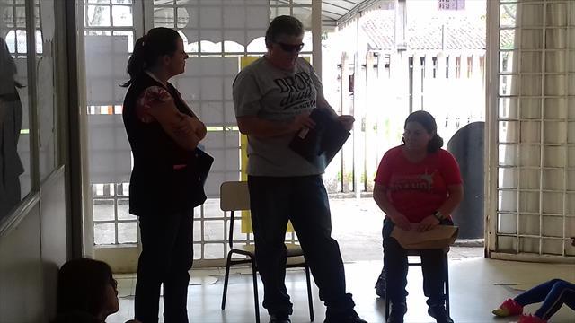 Pai de aluno com deficiência visual vem contar com
