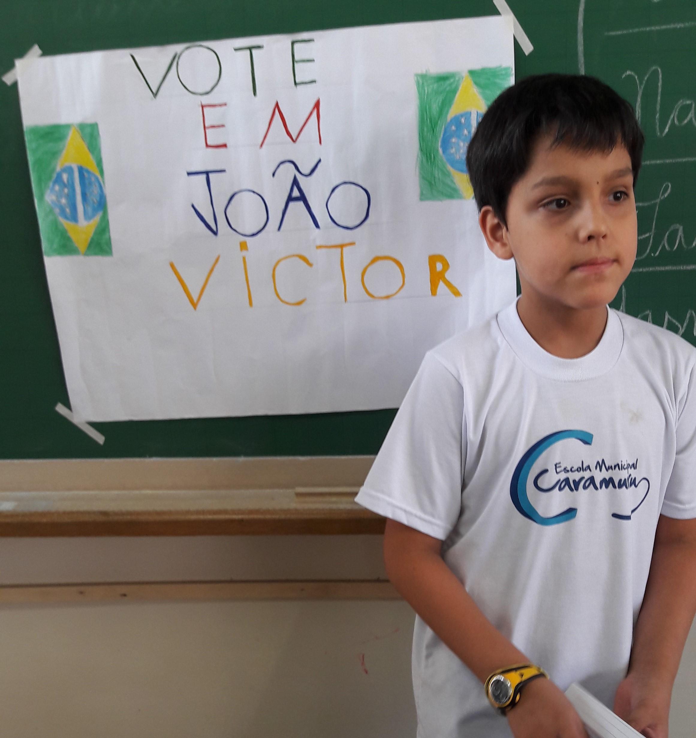João Victor  fazendo sua proposta política