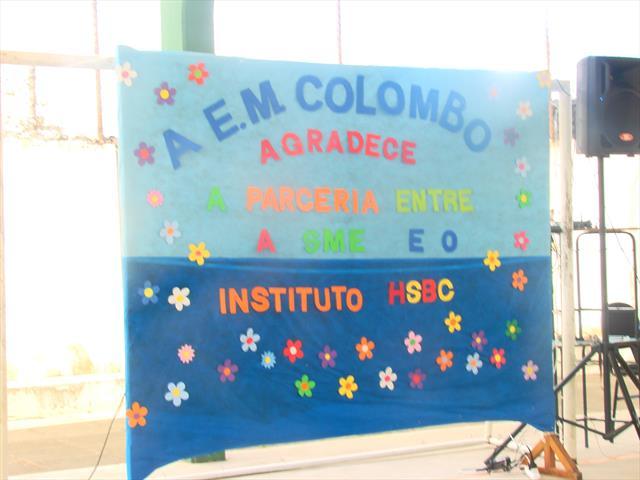 """Coral """"Canta e Encanta"""" recebe Instrumentos do Instituto HSBC"""