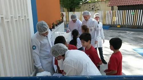 Programa dentista na escola