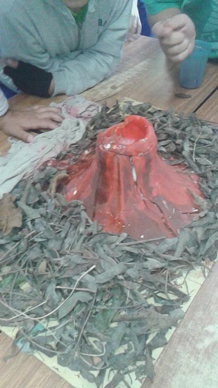 Vulcões entram em erupção nas aulas de Ciências