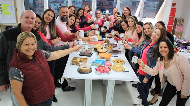 Mesa do café em comemoração ao Dia dos Professores