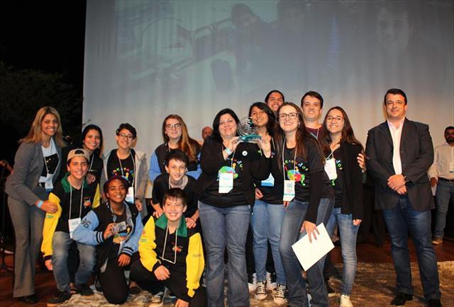 Escola municipal recebe Prêmio ODS