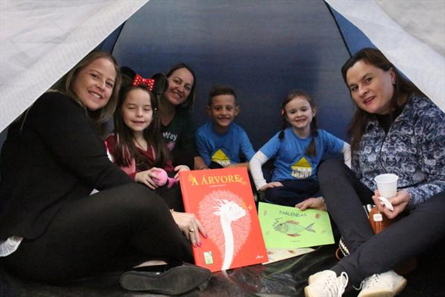 Semana Literária incentiva a leitura em familia na EM Jardim Santo Inácio
