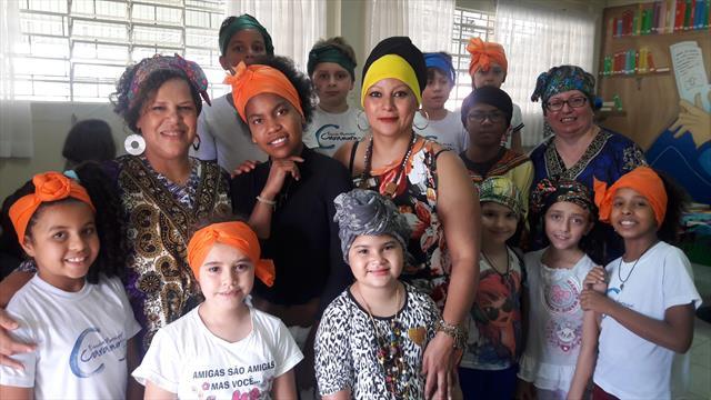 Conhecendo a cultura africana através da oficina de turbantes