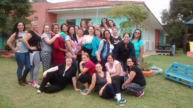 Grupo com a pedagoga