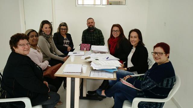 Reuniões com as equipes das Escolas do NRE/TQ