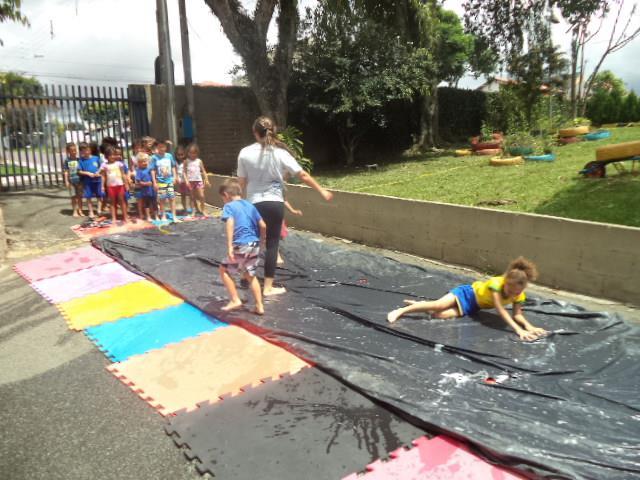 PRATICA DO MOVIMENTO (GIU, EDUARDO, TAYARA, GESSICA, CASSIO)- SKIBUNDA