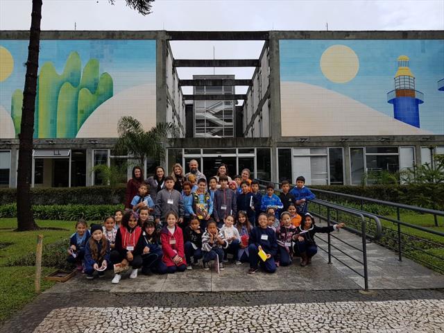 Estudantes da EM Santa Ana Mestra visitam o Palácio 29 de Março