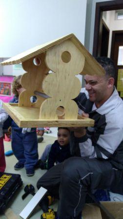 Crianças do Maternal I construíram uma casinha de