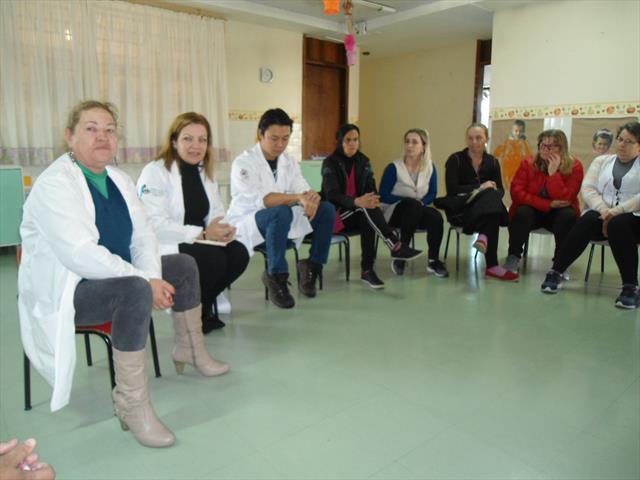 Orientações sobre a saúde da criança realizada pelos profissionais da Unidade de Saúde Vila Esperança