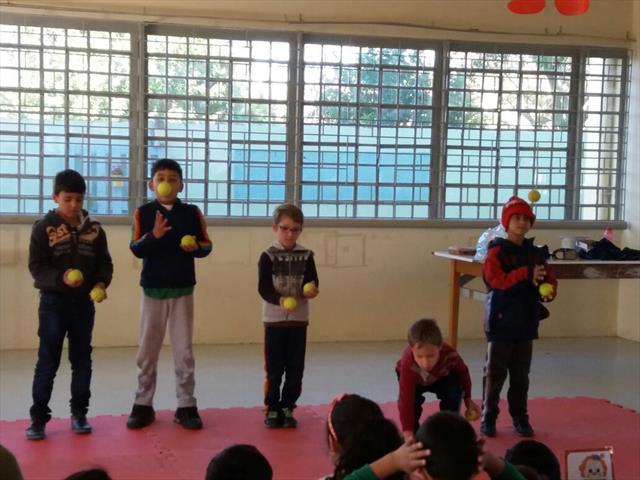 A arte circense nas aulas de teatro.