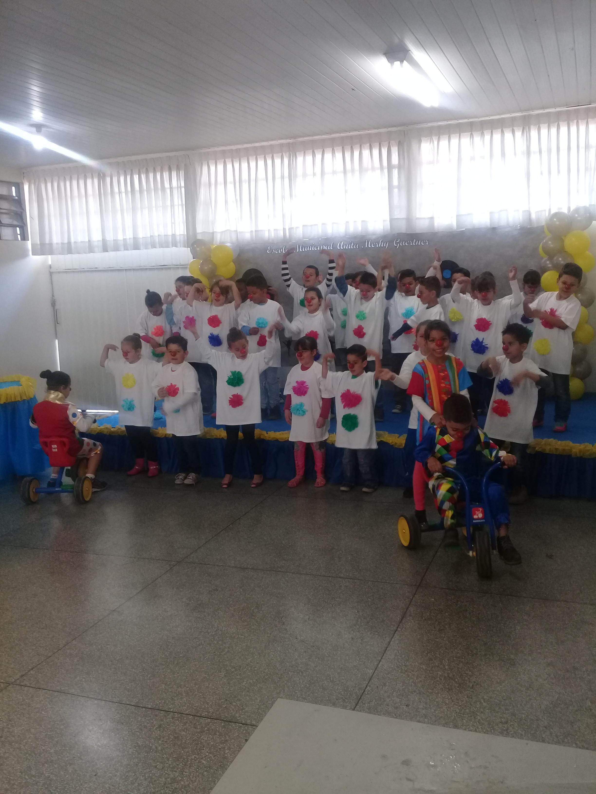 Aniversario da escola Anita