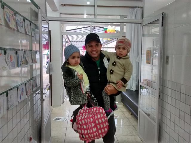 Pais presentes filhos contentes no CMEI Quielse