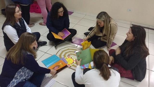 Tagarelando e construindo sentidos - encontro de formação com escolas que atendem a Educação Infantil