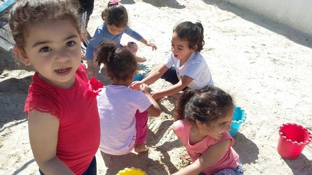 brincadeira na areia
