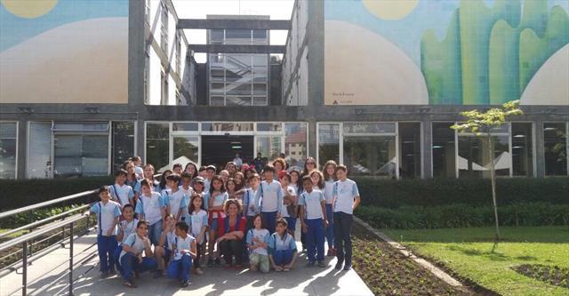Concurso de Poemas: Brincadeiras das Crianças Curitibanas - Encontro com os Poetas