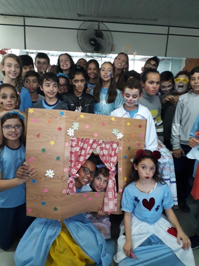 Teatro A Dona Baratinha com a turma do 5º Ano A