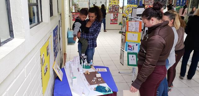 Avaliação dos Parâmetros e Indicadores de Qualidade e Exposição das Produções Infantis