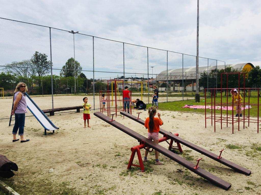 Proposta lúdica e piquenique na praça Cícero Portes