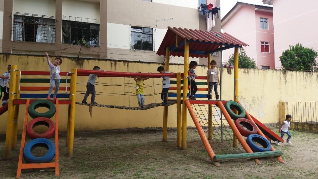Crianças do Pré II visitam Escola