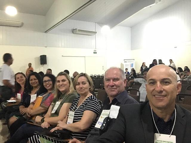 Presidente do Conselho Municipal de Educação de Curitiba, Prof. João Batista do Reis e representantes, participam do XXVIII ENCONTRO NACIONAL DA UNCME em Londrina-PR.