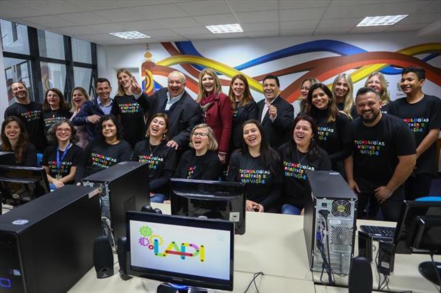 Professores, estudantes e comunidade ganham laboratório de inovação