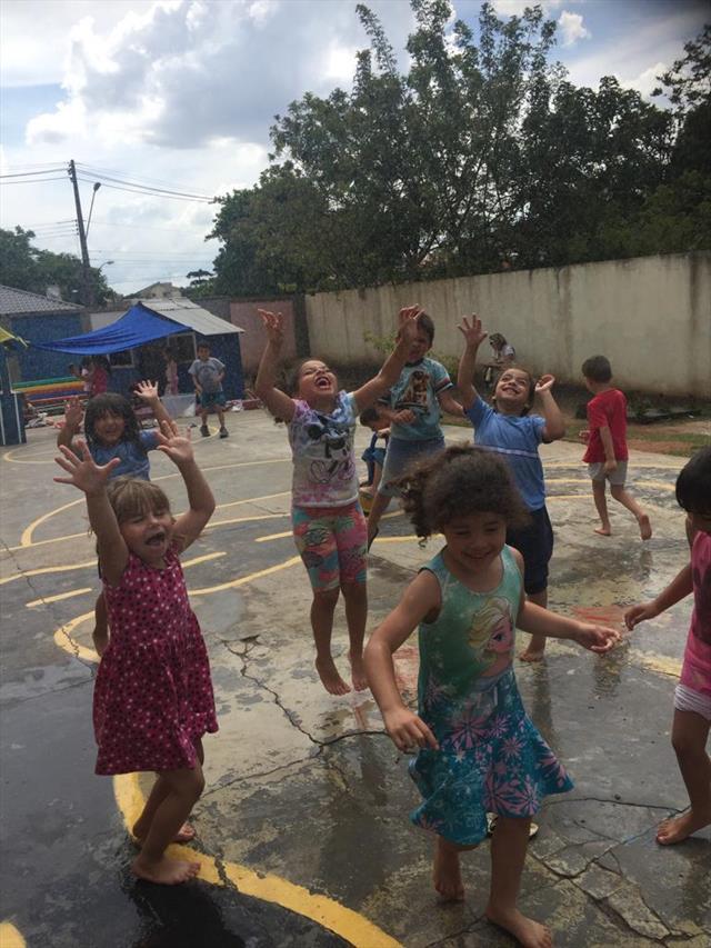 E o verão Está próximo e as crianças do PréIIA tiveram um dia de muita alegria..