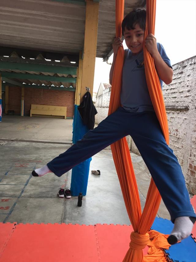 Tecidos acrobáticos