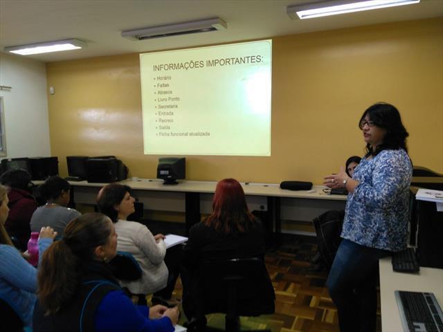 Professores planejam atividades para o sucesso do ano letivo