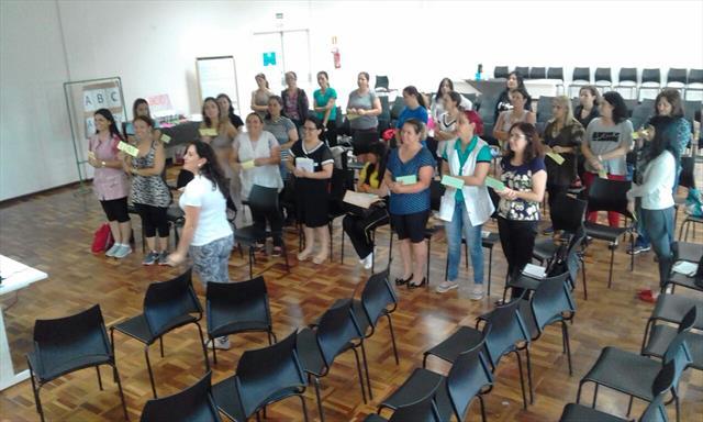 Integrando Saberes: Aproximações entre Língua Port