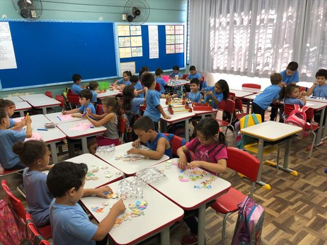 Trabalho realizado com alunos do 1º ano, desperta o prazer em descobrir os números