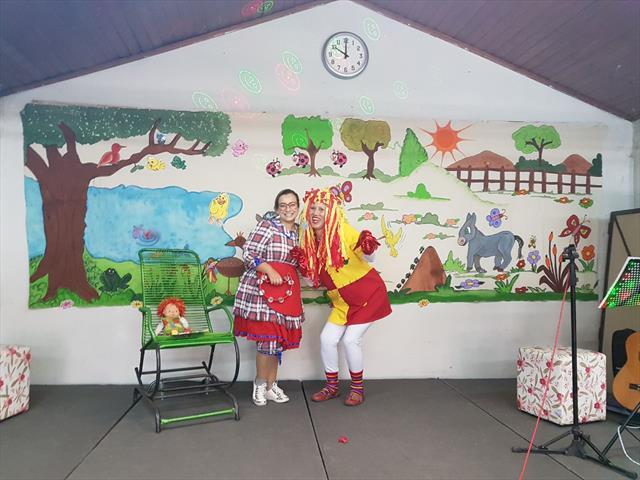 Comemoração do dia nacional do livro infantil e aniversário da Biblioteca Mundo Mágico